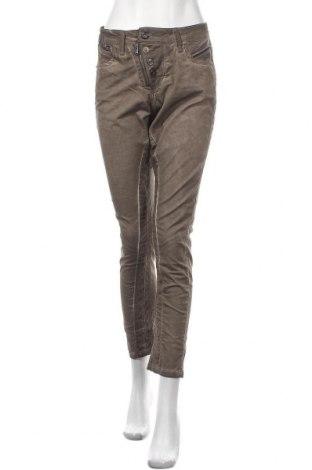 Дамски панталон Cipo & Baxx, Размер S, Цвят Кафяв, 98% памук, 2% еластан, Цена 26,86лв.