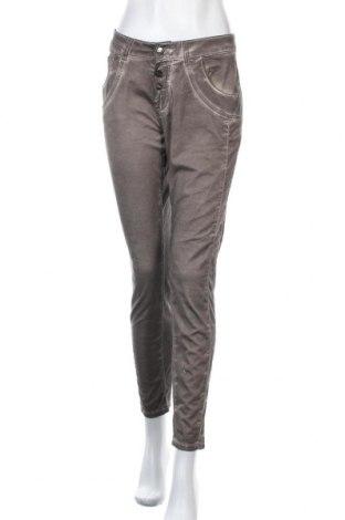 Дамски панталон Kapalua, Размер M, Цвят Кафяв, Цена 28,93лв.