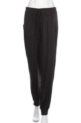 Дамски панталон Trend, Размер XL, Цвят Черен, 95% вискоза, 5% еластан, Цена 39,90лв.