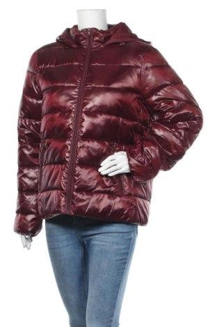 Дамско яке Wrangler, Размер L, Цвят Червен, Полиамид, Цена 309,00лв.