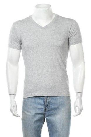 Мъжка тениска Uniqlo, Размер XS, Цвят Сив, 66% памук, 34% полиестер, Цена 18,95лв.