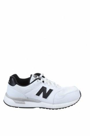 Мъжки обувки New Balance, Размер 41, Цвят Бял, Еко кожа, текстил, Цена 126,75лв.
