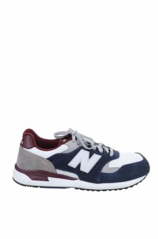 Мъжки обувки New Balance, Размер 42, Цвят Многоцветен, Естествен велур, текстил, Цена 134,25лв.
