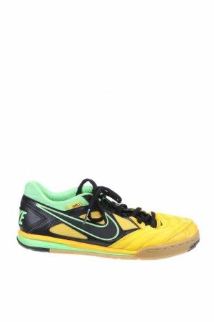 Обувки Nike, Размер 40, Цвят Многоцветен, Еко кожа, Цена 49,14лв.