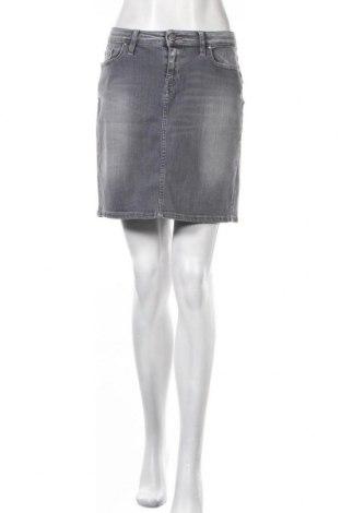 Пола Tommy Hilfiger, Размер L, Цвят Сив, 90% памук, 6% други тъкани, 4% еластан, Цена 43,05лв.