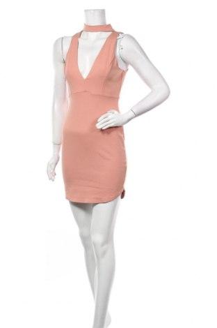 Рокля Charlotte Russe, Размер S, Цвят Розов, 68% вискоза, 28% полиамид, 4% еластан, Цена 26,93лв.