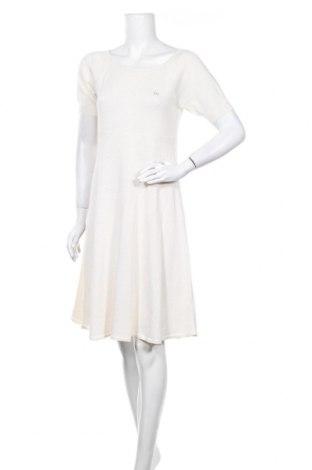 Рокля Escada Sport, Размер L, Цвят Бежов, 50% коприна, 50% памук, Цена 99,40лв.