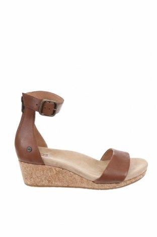 Sandale UGG Australia, Mărime 39, Culoare Maro, Piele naturală, Preț 195,63 Lei