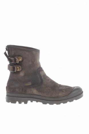 Ανδρικά παπούτσια Palladium