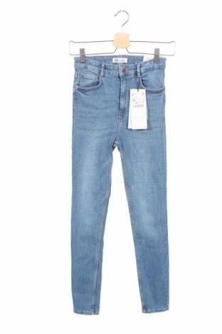 Дамски дънки Zara Trafaluc, Размер XS, Цвят Син, 93% памук, 5% полиестер, 2% еластан, Цена 23,56лв.