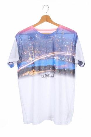 Детска тениска Lc Waikiki, Размер 15-18y/ 170-176 см, Цвят Бял, Полиестер, Цена 14,28лв.