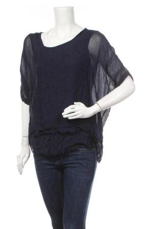 Γυναικεία μπλούζα Made In Italy, Μέγεθος S, Χρώμα Μπλέ, 60% βισκόζη, 40% μετάξι, Τιμή 24,68€
