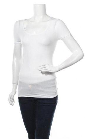 Дамска блуза Schiesser, Размер S, Цвят Бял, 55% вискоза, 25% полиестер, 20% еластан, Цена 32,76лв.