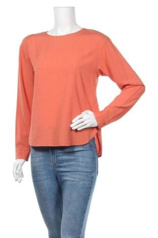Дамска блуза Uniqlo, Размер S, Цвят Оранжев, 76% вискоза, 24% полиестер, Цена 20,95лв.