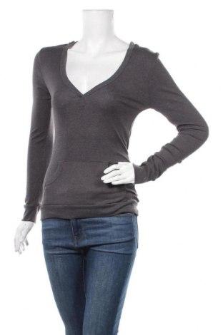 Дамска блуза Zenana Outfitters, Размер M, Цвят Сив, 92% памук, 8% еластан, Цена 17,85лв.