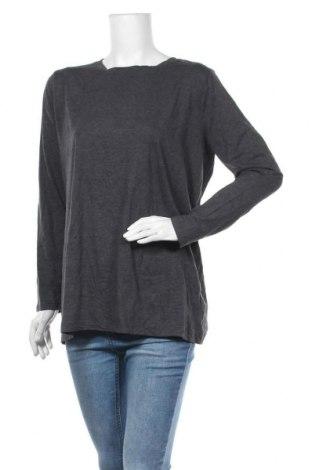 Дамска блуза Zenana Outfitters, Размер XL, Цвят Сив, 60% памук, 35% полиестер, 5% еластан, Цена 16,07лв.
