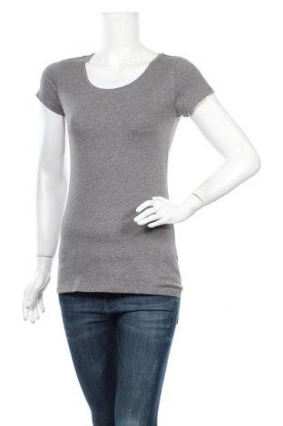 Дамска тениска Clockhouse, Размер M, Цвят Сив, 95% памук, 5% еластан, Цена 4,10лв.