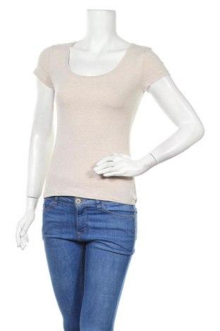 Дамска тениска H&M, Размер S, Цвят Бежов, 95% памук, 5% еластан, Цена 13,65лв.