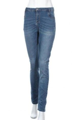 Дамски дънки Chicoree, Размер L, Цвят Син, 79% памук, 16% полиестер, 3% вискоза, 2% еластан, Цена 26,25лв.