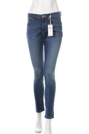 Дамски дънки Wrangler, Размер L, Цвят Син, 93% памук, 7% еластан, Цена 64,50лв.