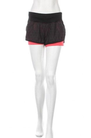 Γυναικείο κοντό παντελόνι Adidas, Μέγεθος M, Χρώμα Μαύρο, 100% πολυεστέρας, Τιμή 20,78€