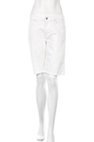 Дамски къс панталон Gant, Размер L, Цвят Бял, 98% памук, 2% еластан, Цена 29,40лв.