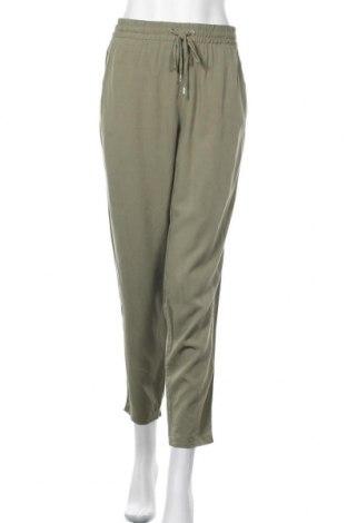 Дамски панталон H&M L.O.G.G., Размер XL, Цвят Зелен, 72% вискоза, 28% лиосел, Цена 23,63лв.