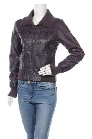 Дамско кожено яке, Размер M, Цвят Лилав, Еко кожа, Цена 11,97лв.