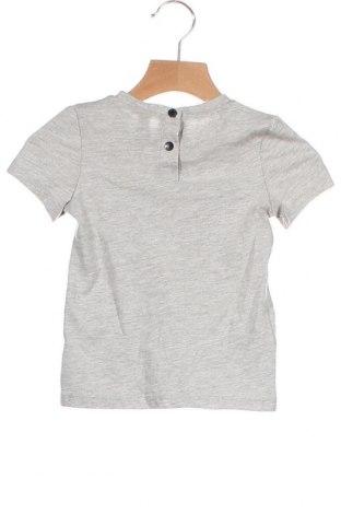 Детска тениска Firetrap, Размер 18-24m/ 86-98 см, Цвят Сив, 78% памук, 22% полиестер, Цена 28,50лв.