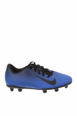 Детски обувки Nike, Размер 37, Цвят Син, Еко кожа, Цена 39,60лв.