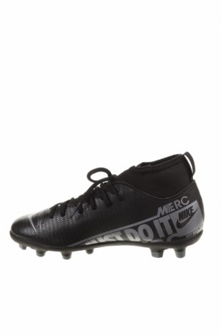 Детски обувки Nike, Размер 32, Цвят Черен, Еко кожа, текстил, Цена 34,65лв.