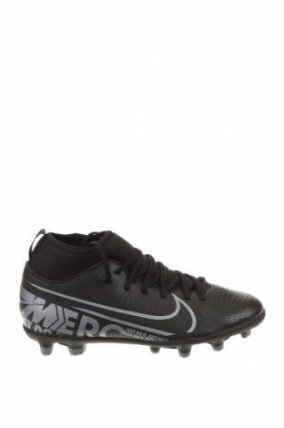 Детски обувки Nike, Размер 33, Цвят Черен, Еко кожа, текстил, Цена 29,70лв.
