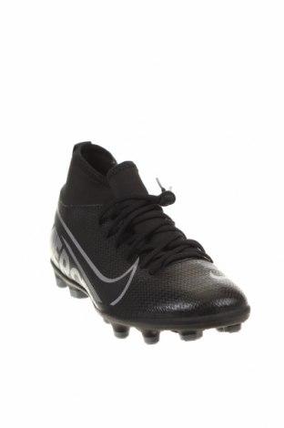 Детски обувки Nike, Размер 34, Цвят Черен, Еко кожа, текстил, Цена 34,65лв.