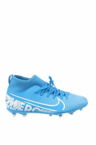 Детски обувки Nike, Размер 37, Цвят Син, Еко кожа, текстил, Цена 34,65лв.