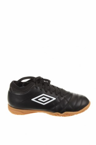 Детски обувки Umbro, Размер 32, Цвят Черен, Еко кожа, Цена 35,60лв.