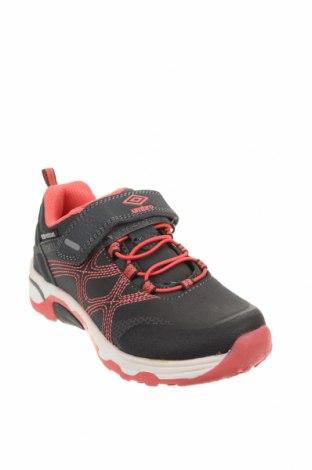Детски обувки Umbro, Размер 28, Цвят Сив, Еко кожа, текстил, Цена 33,97лв.