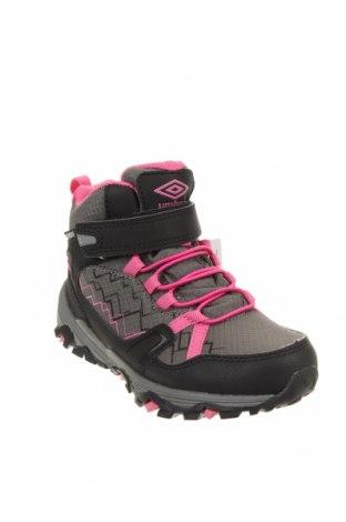 Детски обувки Umbro, Размер 29, Цвят Сив, Текстил, Цена 59,25лв.