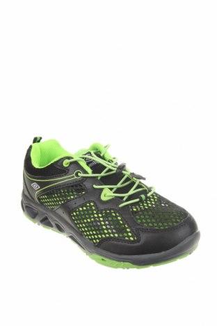 Детски обувки Umbro, Размер 34, Цвят Черен, Еко кожа, текстил, Цена 49,84лв.