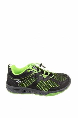 Детски обувки Umbro, Размер 33, Цвят Черен, Текстил, еко кожа, Цена 49,84лв.