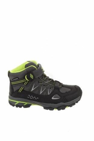 Детски обувки Umbro, Размер 32, Цвят Черен, Текстил, полиуретан, Цена 38,27лв.