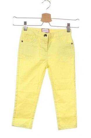 Παιδικό παντελόνι Neck & Neck, Μέγεθος 2-3y/ 98-104 εκ., Χρώμα Κίτρινο, 98% βαμβάκι, 2% ελαστάνη, Τιμή 10,10€