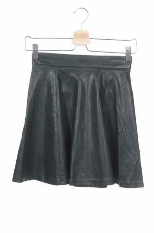 Кожена пола Pull&Bear, Размер XS, Цвят Зелен, Еко кожа, Цена 6,93лв.