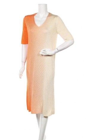 Рокля COS, Размер L, Цвят Оранжев, 100% вискоза, Цена 48,30лв.