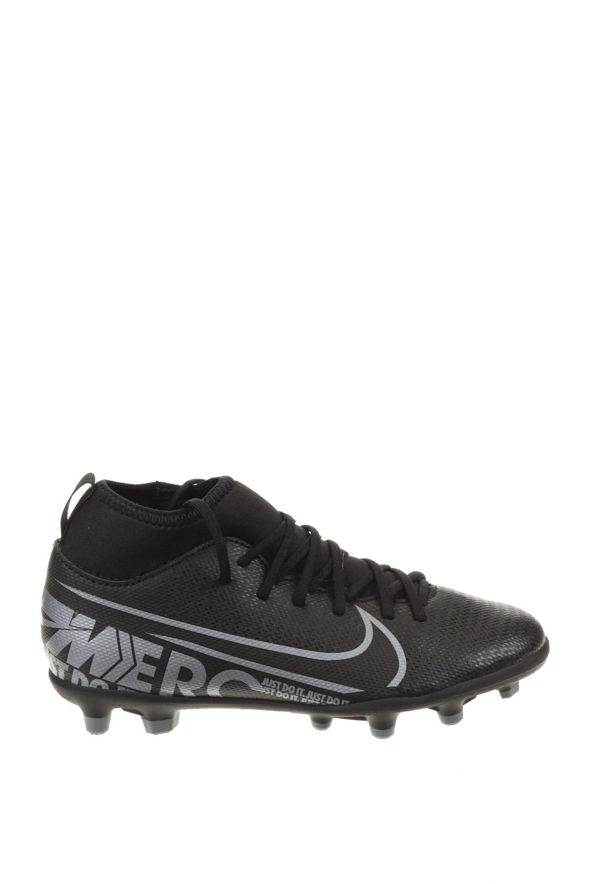 Детски обувки Nike, Размер 33, Цвят Черен, Еко кожа, текстил, Цена 34,65лв.