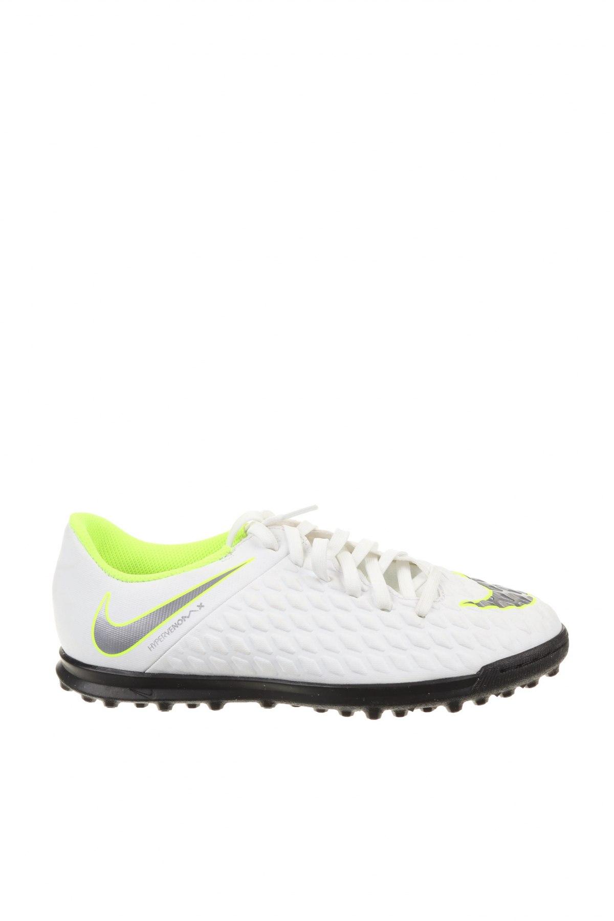 Детски обувки Nike, Размер 36, Цвят Бял, Еко кожа, Цена 29,70лв.