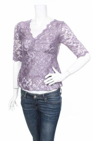 Дамска блуза BCBG Max Azria, Размер XS, Цвят Лилав, 97% полиестер, 3% еластан, Цена 21,00лв.
