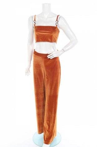 Дамски комплект Boohoo, Размер M, Цвят Кафяв, 95% полиестер, 5% еластан, Цена 31,20лв.