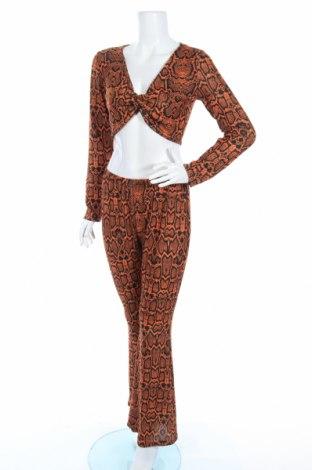Дамски комплект Boohoo, Размер M, Цвят Кафяв, 95% полиестер, 5% еластан, Цена 40,80лв.