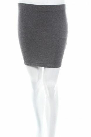 Пола Fb Sister, Размер S, Цвят Сив, 95% памук, 5% еластан, Цена 3,40лв.