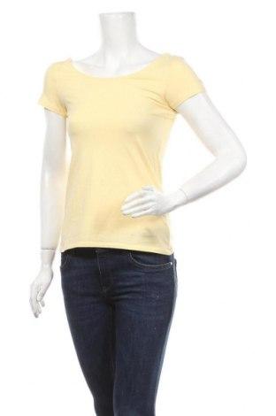 Γυναικεία μπλούζα Clockhouse, Μέγεθος M, Χρώμα Κίτρινο, 95% βαμβάκι, 5% ελαστάνη, Τιμή 9,09€